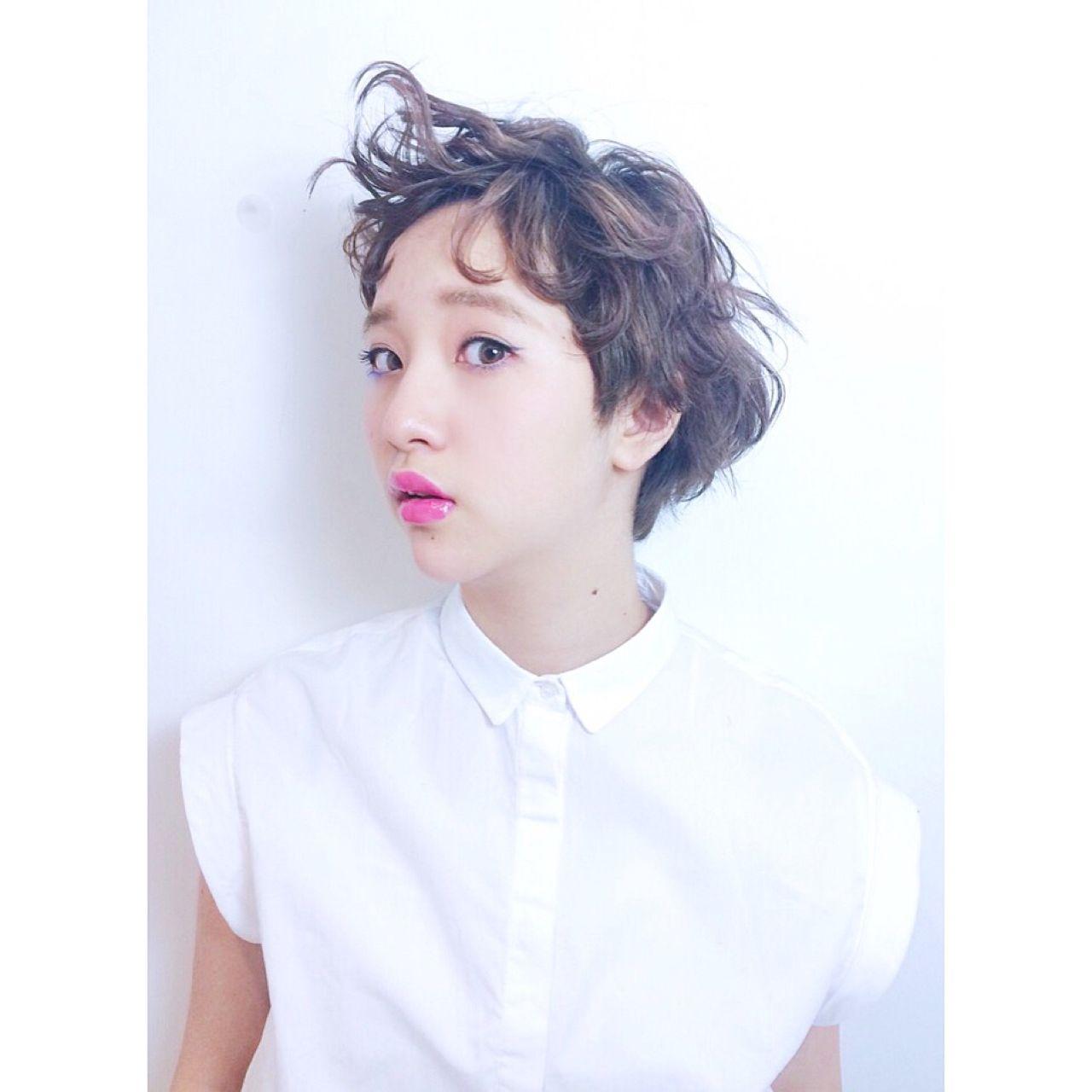 センターパート ショート ウェットヘア 卵型 ヘアスタイルや髪型の写真・画像   Sachiko Handa / assort