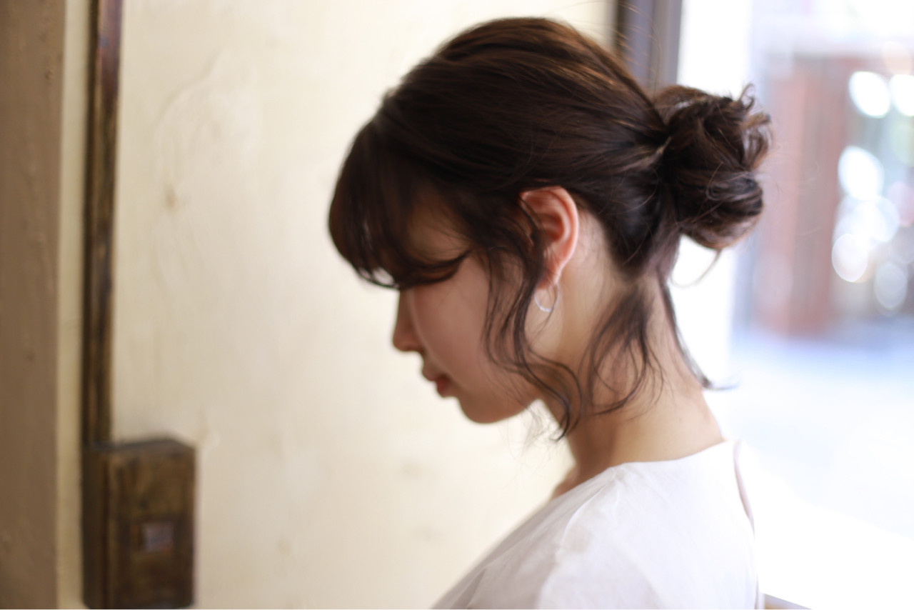 """ミディアムでもOK♡簡単かわいいアレンジなら""""おだんごヘア""""! 高森 彩可/高円寺四百倍美容室"""