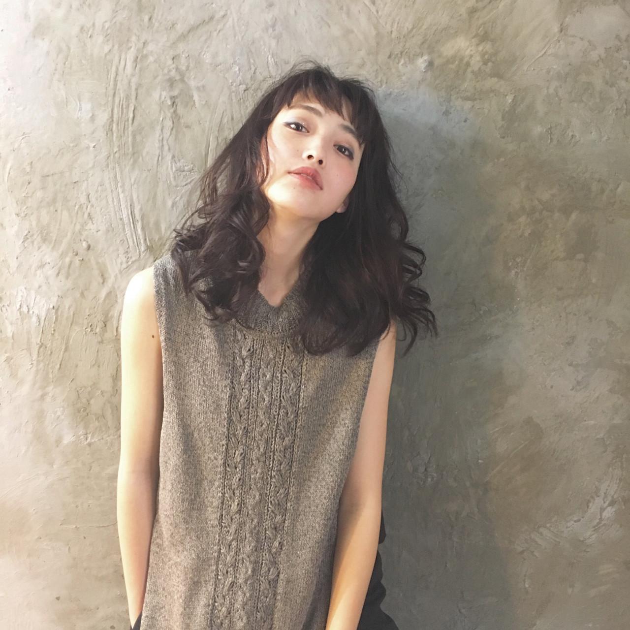 黒髪×パーマで作る媚びない夏の大人女子特集♡ 大谷江梨加