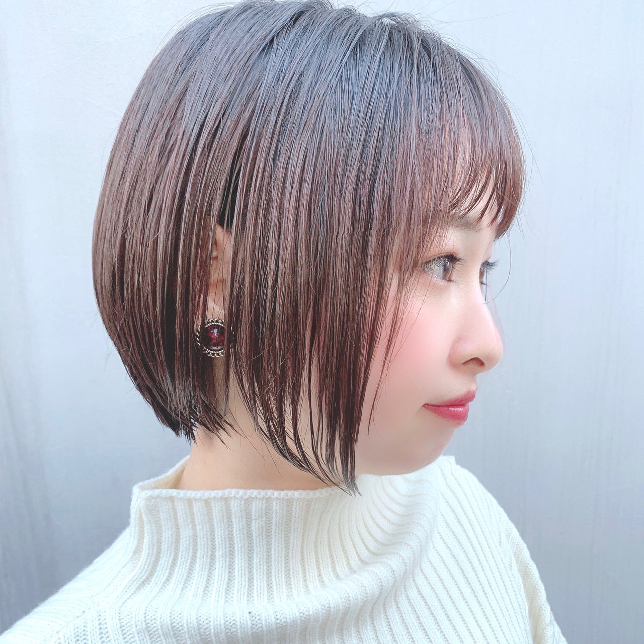 フェミニン ショートヘア グラデーションボブ ボブ ヘアスタイルや髪型の写真・画像 | 川原梨央 / モリオフロムロンドン