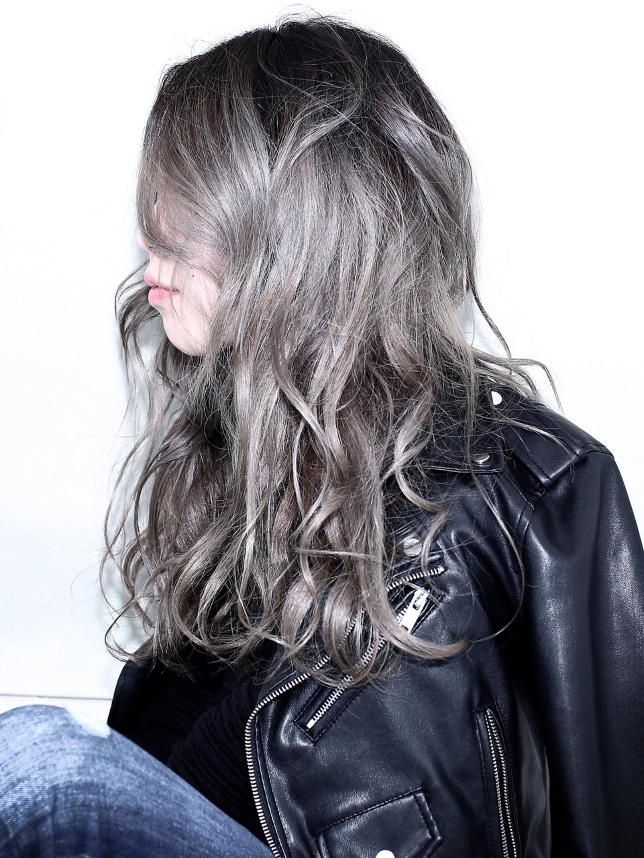 ウェーブ アッシュ ハイライト グラデーションカラー ヘアスタイルや髪型の写真・画像 | 伊藤 裕仁 【 Liv 】 / Liv