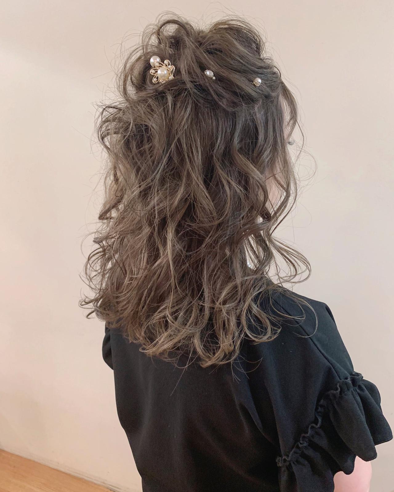 簡単ヘアアレンジ ナチュラル 大人かわいい ヘアアレンジ ヘアスタイルや髪型の写真・画像   yumiko/sapporoSKNOW / SKNOW