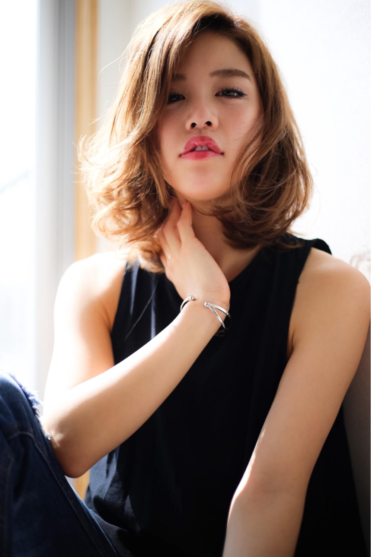 パーマ ミディアム 大人かわいい 外国人風ヘアスタイルや髪型の写真・画像