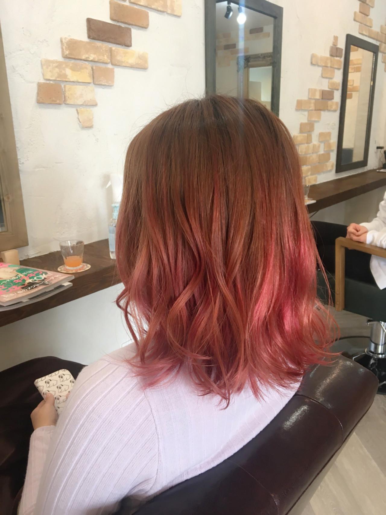 ミルクティー 外ハネ ピンク ボブ ヘアスタイルや髪型の写真・画像 | 友木 清貴 / SUPERBE