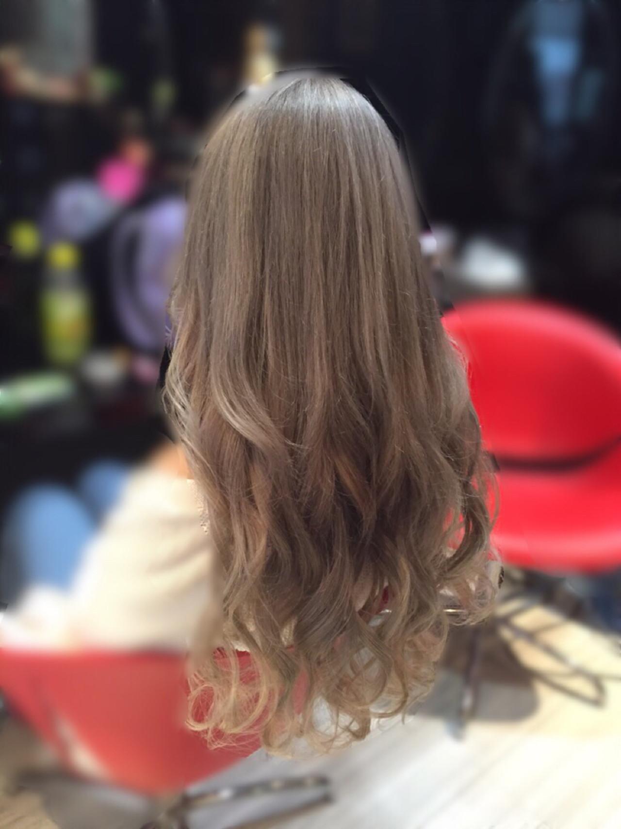 ミルクティーベージュ ヌーディベージュ ストリート アッシュヘアスタイルや髪型の写真・画像