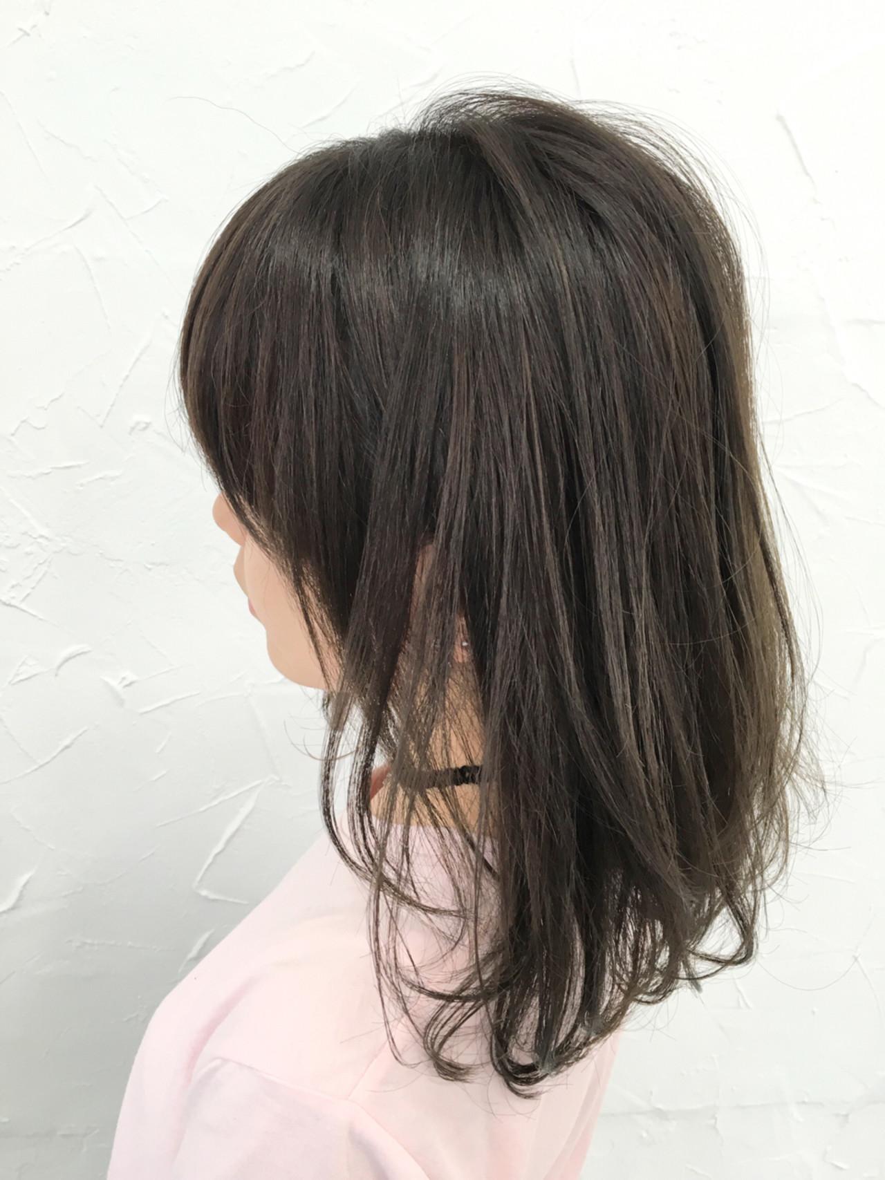 ゆるふわ 暗髪 ストリート グレージュヘアスタイルや髪型の写真・画像