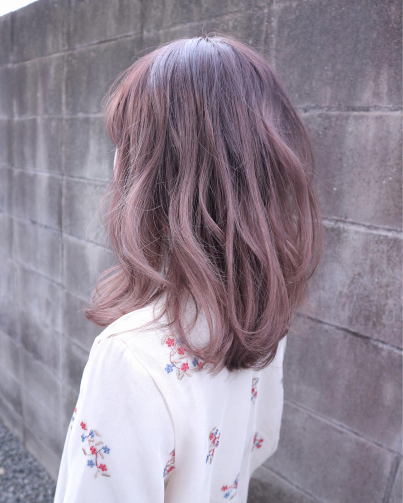 ラベンダーピンク ラベンダー ガーリー ミディアムヘアスタイルや髪型の写真・画像
