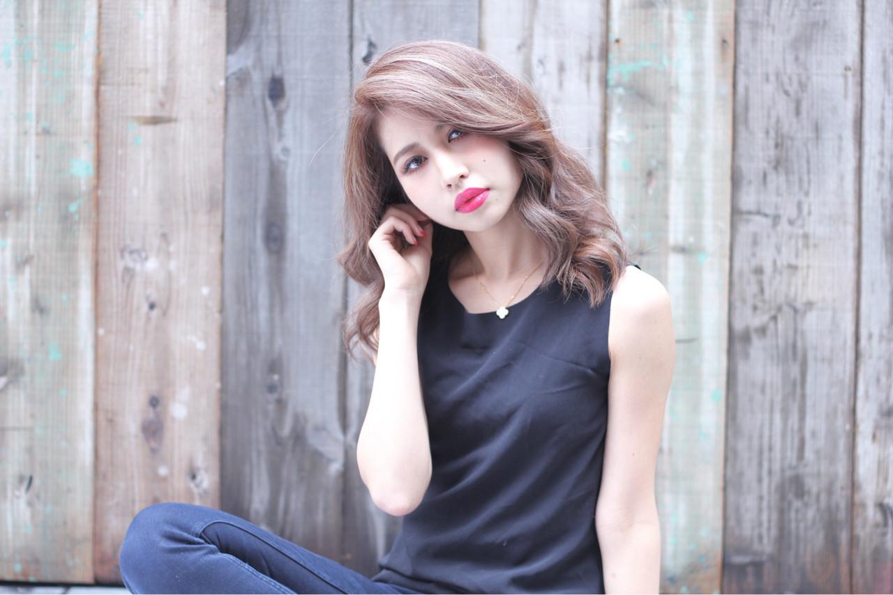 ゆるふわ グラデーションカラー ミディアム アッシュ ヘアスタイルや髪型の写真・画像 | 柳村 豊 / hug by merry