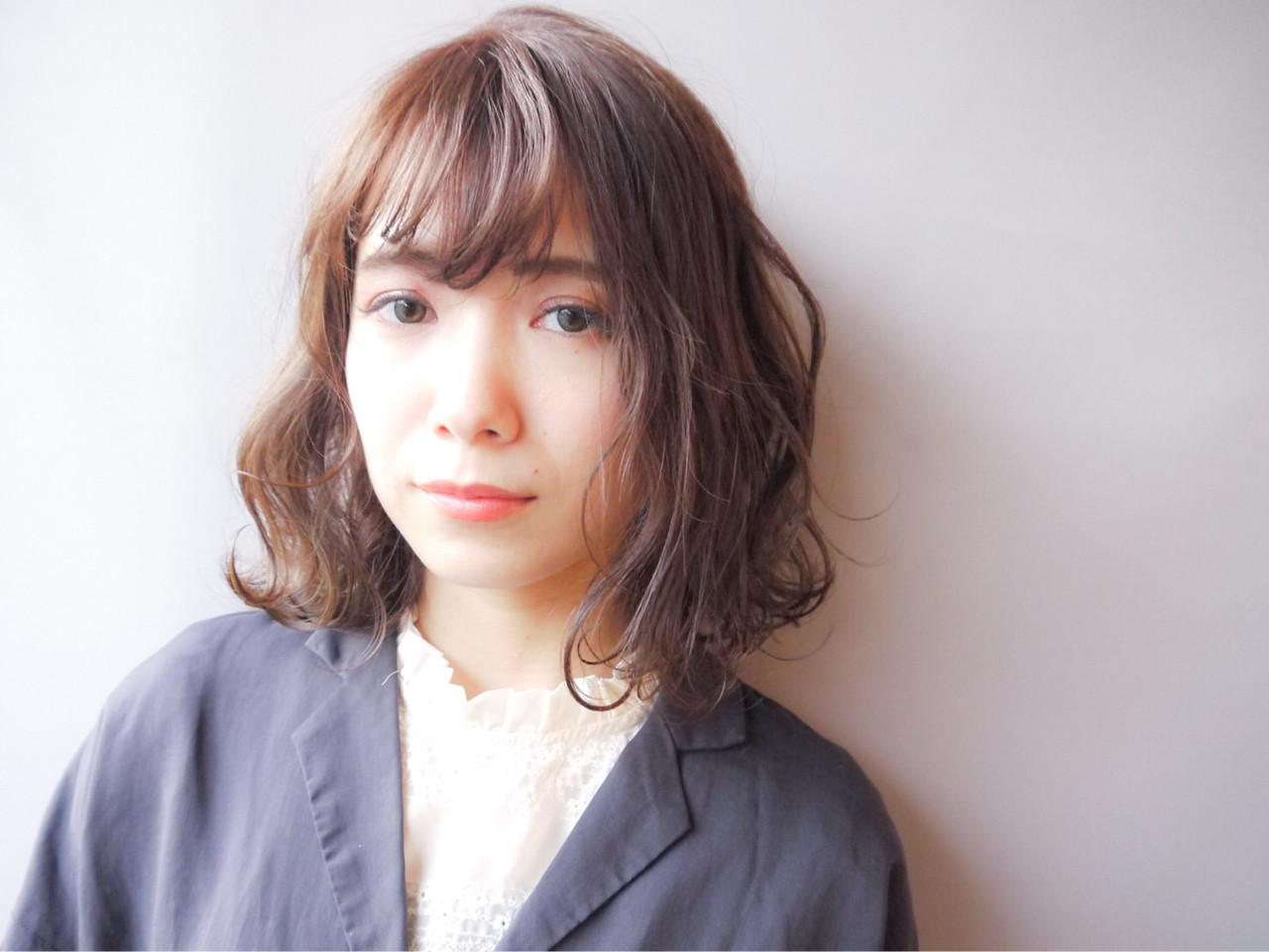 グレージュ コンサバ 大人かわいい 外ハネ ヘアスタイルや髪型の写真・画像 | HIROKI / roijir / roijir