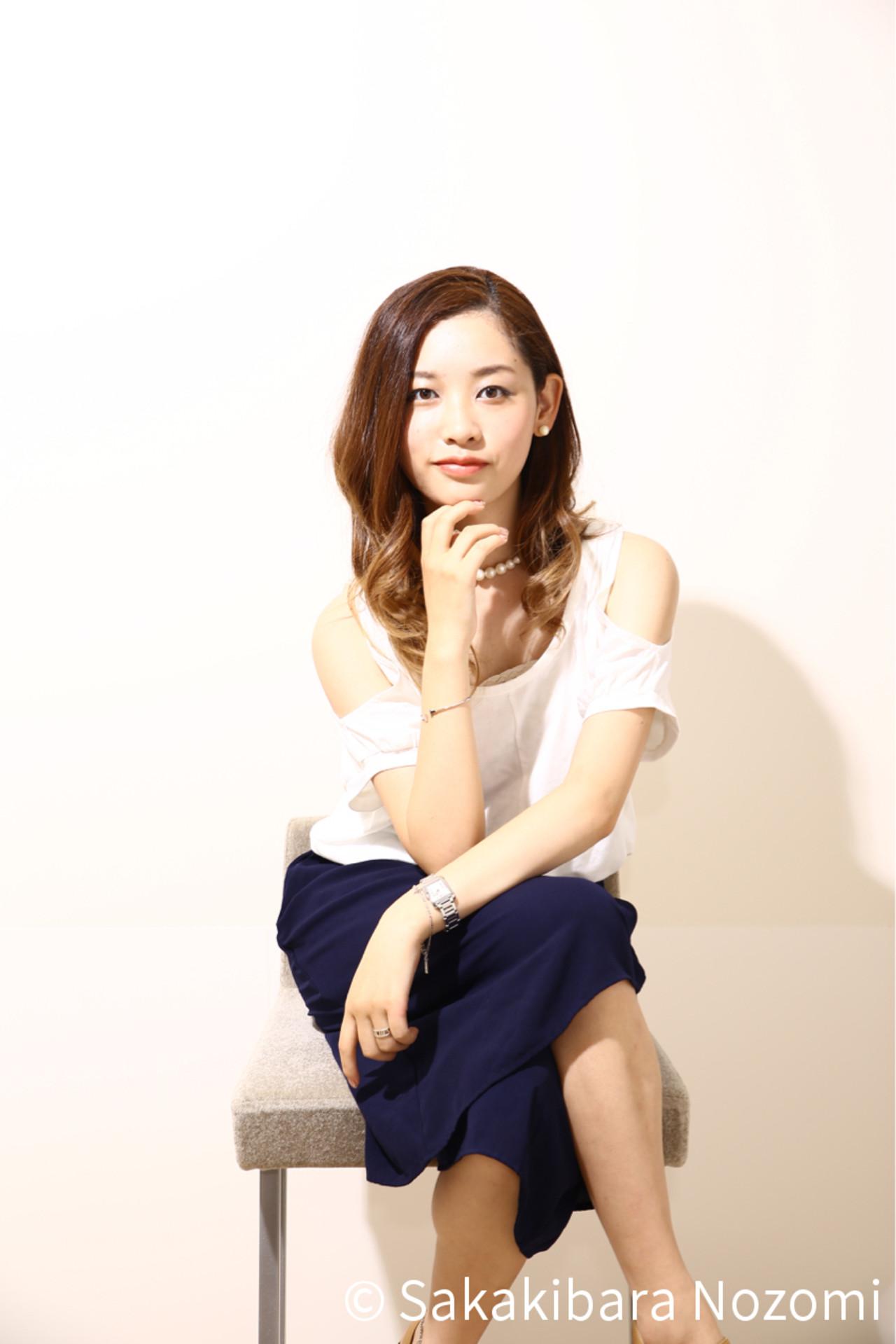 黒髪 卵型 外国人風 アッシュ ヘアスタイルや髪型の写真・画像 | Nozomi Sakakibara /