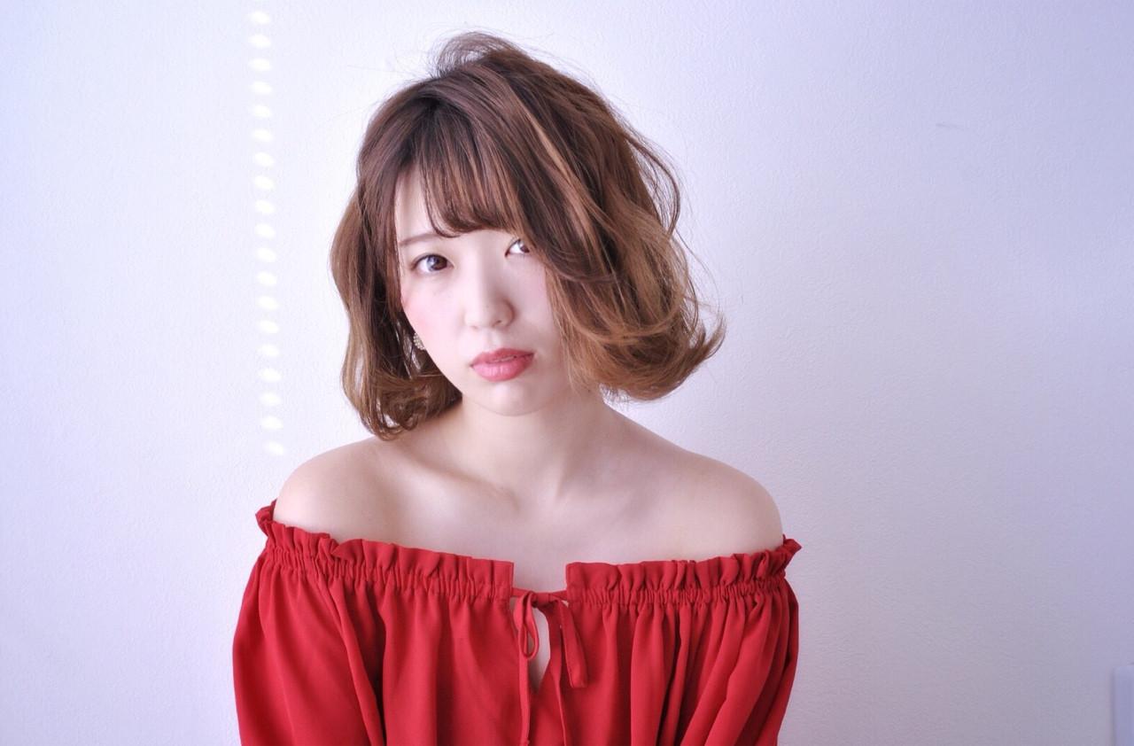 アンニュイ フェミニン ボブ ウェーブ ヘアスタイルや髪型の写真・画像 | 宮本英里香 /