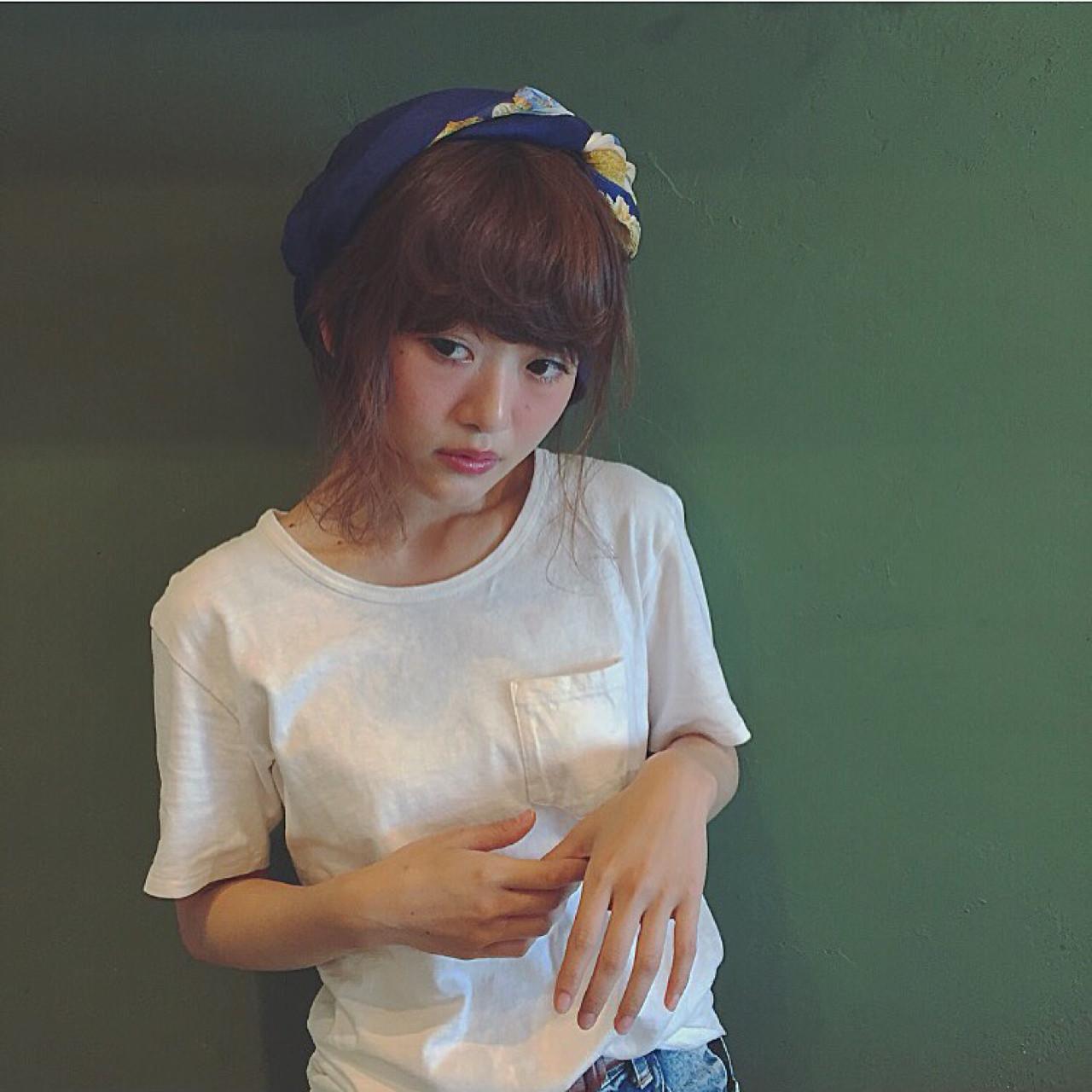 簡単ヘアアレンジ ヘアアレンジ ショート フェミニン ヘアスタイルや髪型の写真・画像   Chihiro Hayakawa /