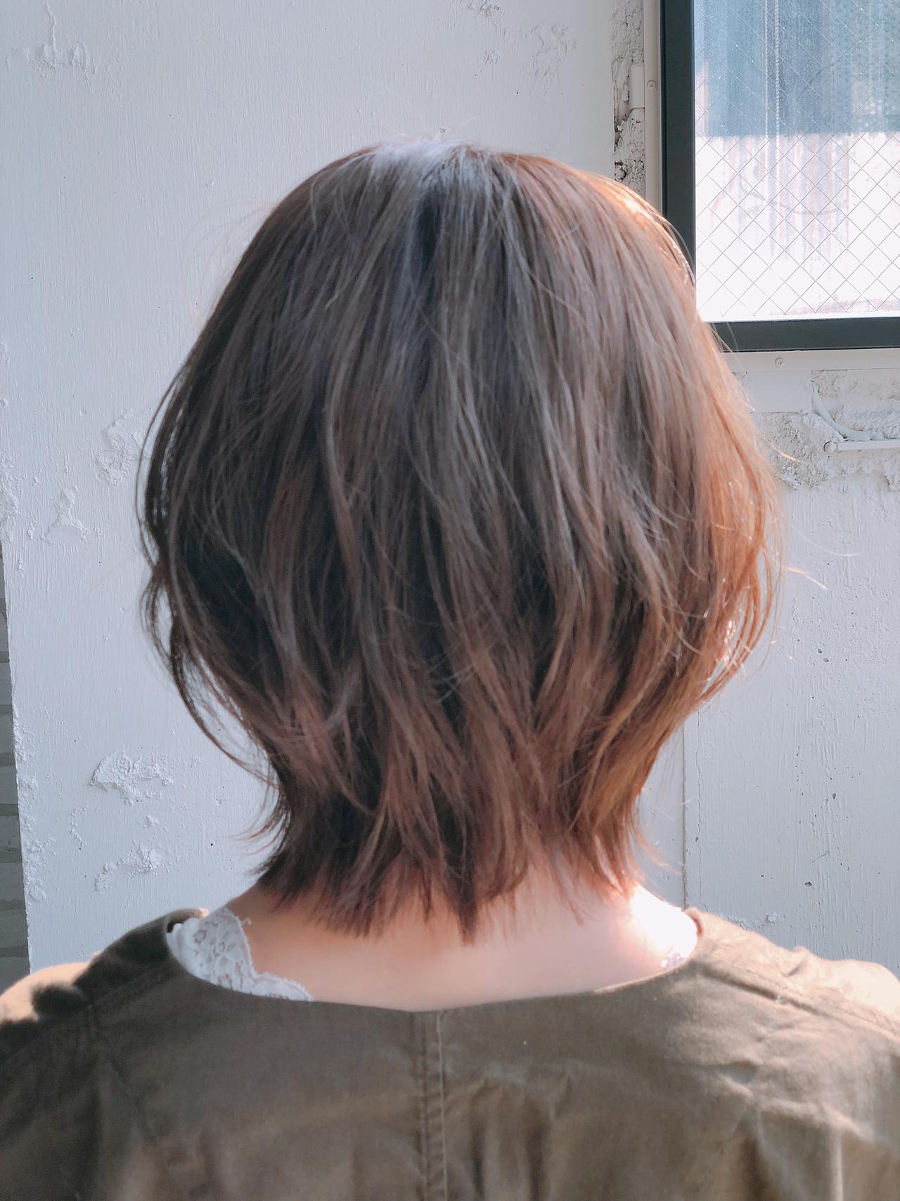 フェミニン ボブ デート 小顔ショートヘアスタイルや髪型の写真・画像