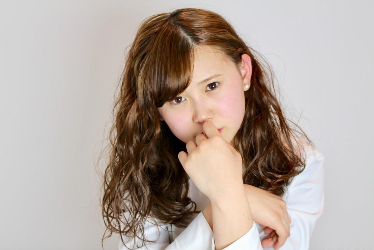 ナチュラル 小顔 セミロング ミルクティー ヘアスタイルや髪型の写真・画像 | 和田 成泰 / LAXA HAIR WORKS
