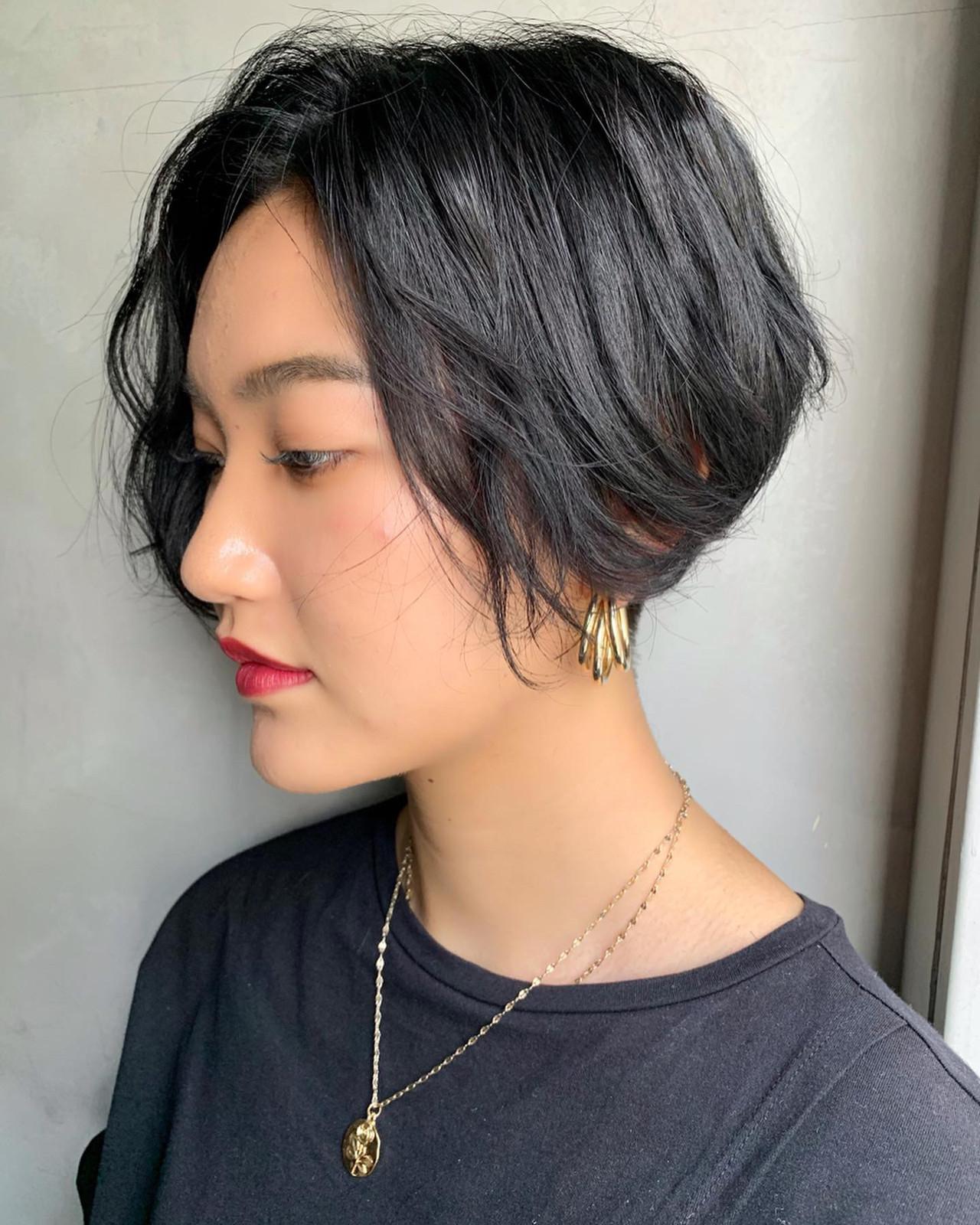 ハンサムショート 小顔ショート アンニュイほつれヘア 黒髪 ヘアスタイルや髪型の写真・画像   MORNING.miya/@1031miya / HAIR MORNING.