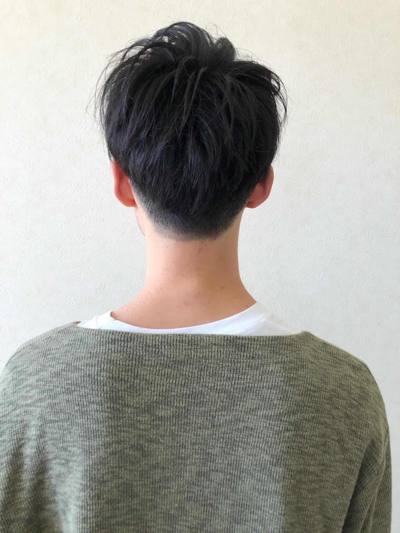 メンズ ナチュラル メンズスタイル メンズヘア ヘアスタイルや髪型の写真・画像   ヨシダトモカズ / Wiz