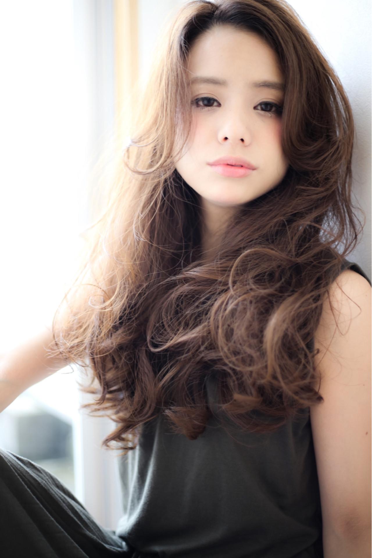ゆるふわ 大人かわいい パーマ アッシュヘアスタイルや髪型の写真・画像