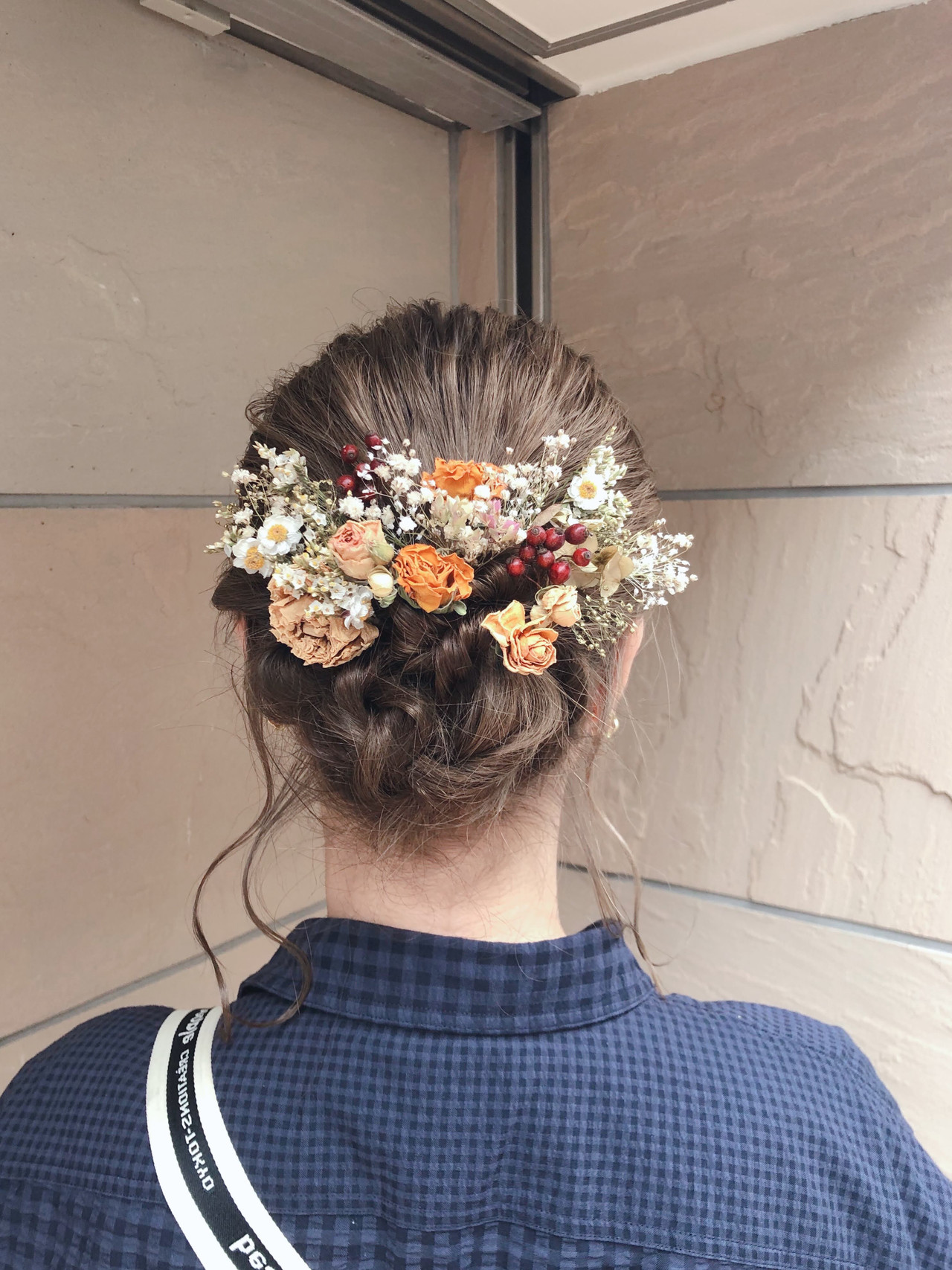 ミルクティーベージュ 成人式ヘア ドライフラワー ヘアアレンジヘアスタイルや髪型の写真・画像