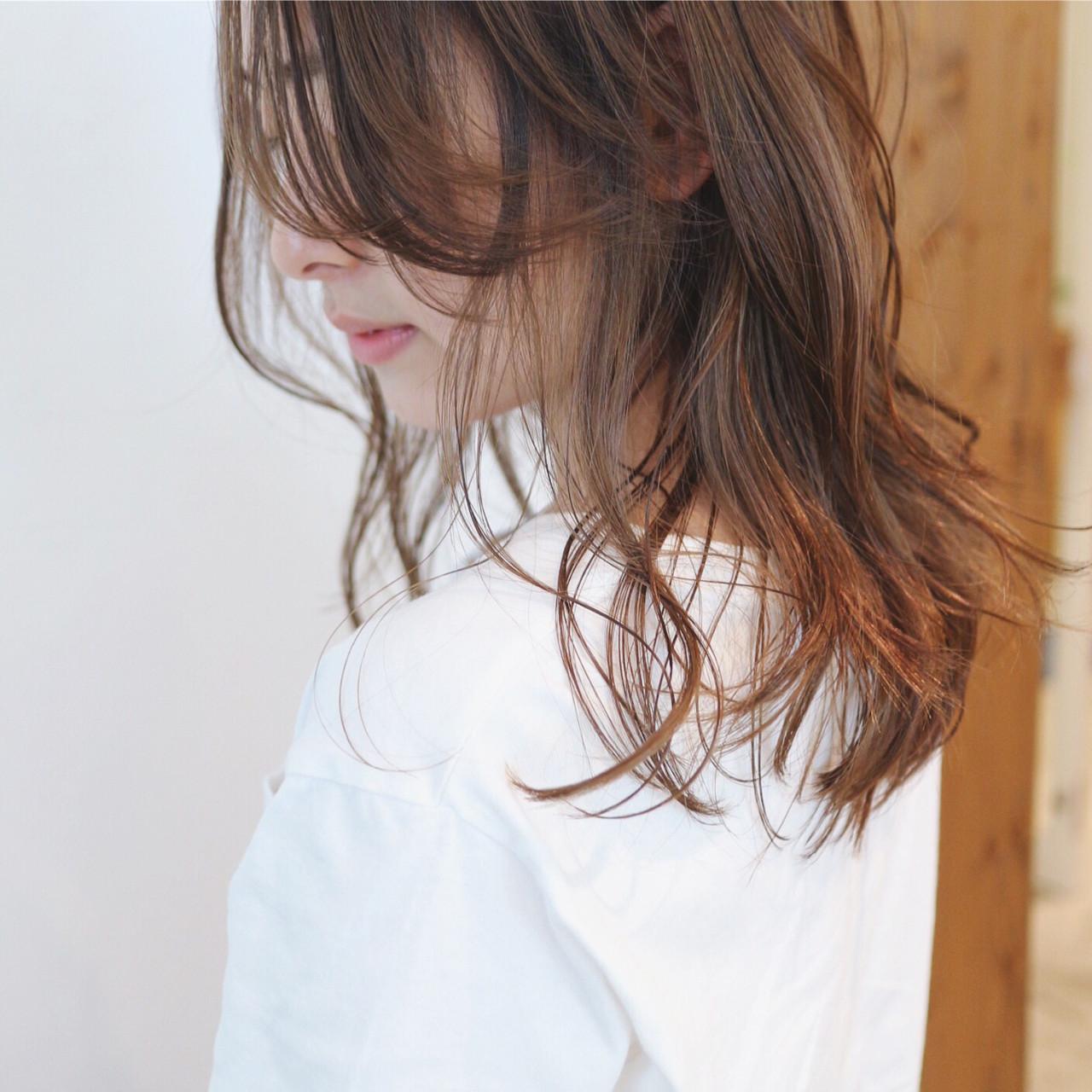 ブリーチ ブリーチカラー セミロング ナチュラル ヘアスタイルや髪型の写真・画像   三好 佳奈美 / Baco.(バコ)
