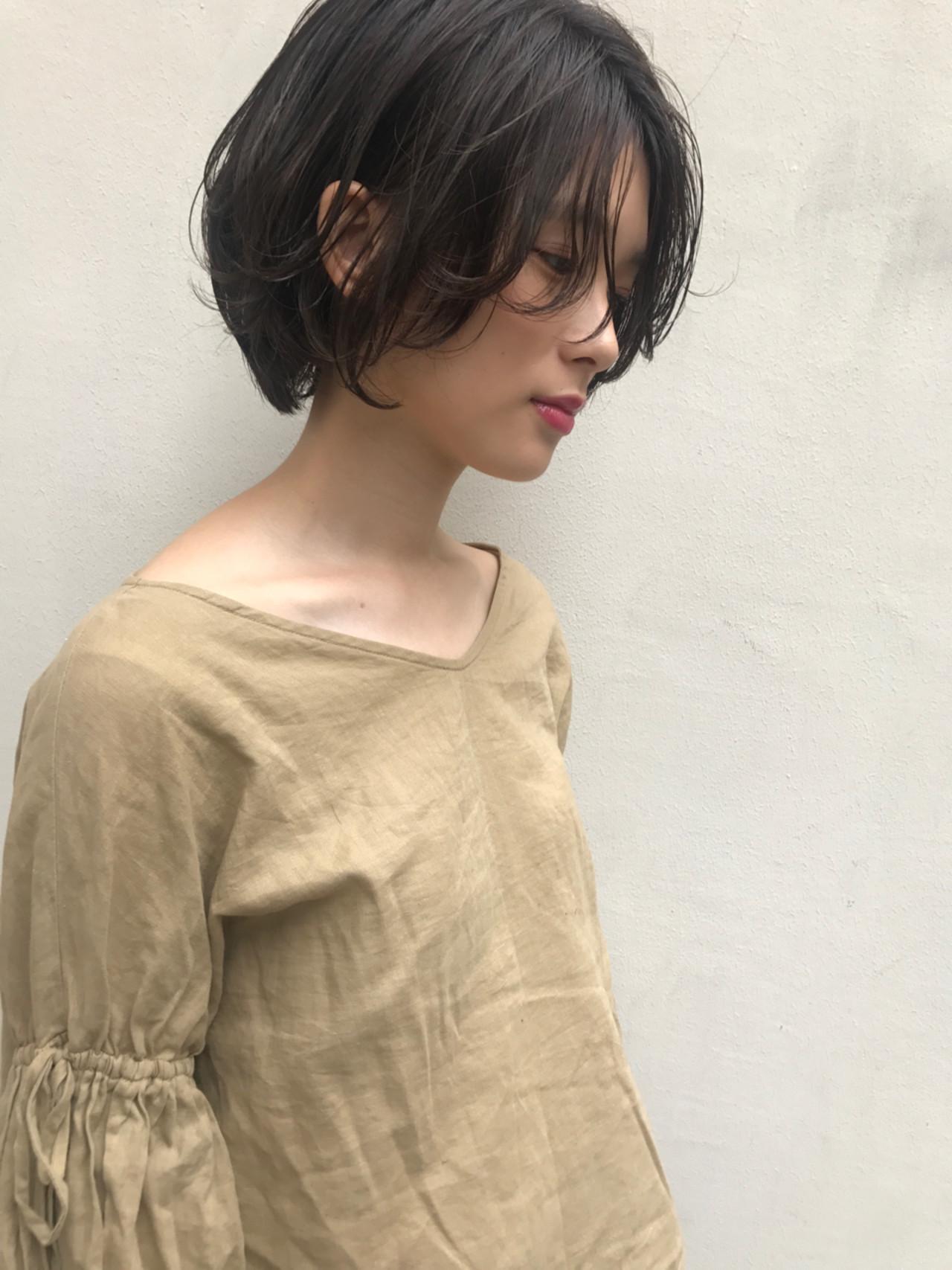 かっこいい 透明感 秋 ナチュラルヘアスタイルや髪型の写真・画像