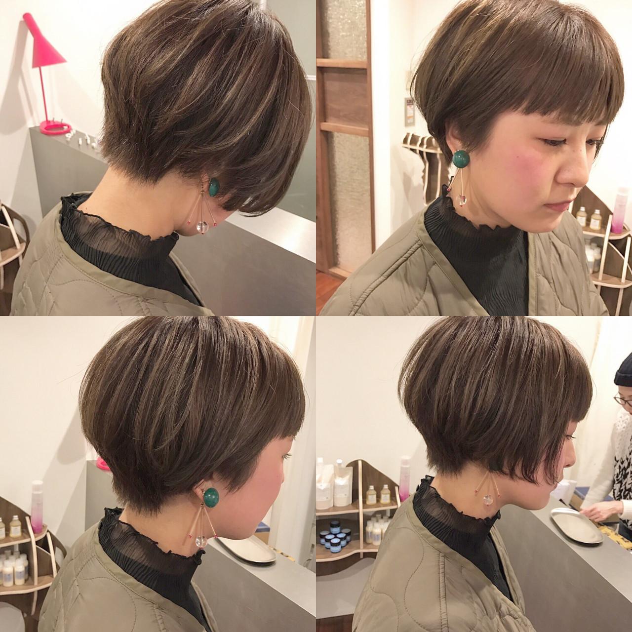 ボブ アッシュ ハイライト 前下がり ヘアスタイルや髪型の写真・画像 | 藤山将太 / ROSTAR