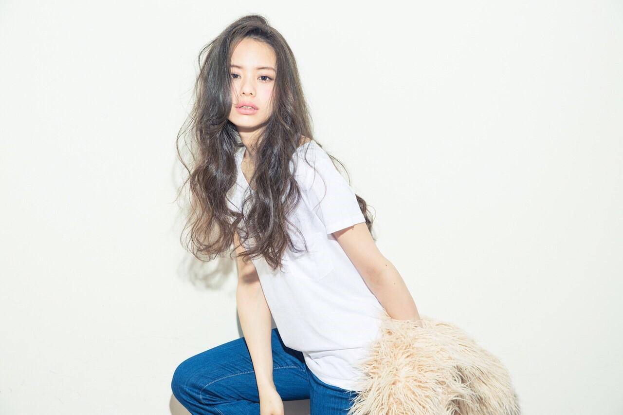 ルーズ 外国人風 グラデーションカラー ストリートヘアスタイルや髪型の写真・画像