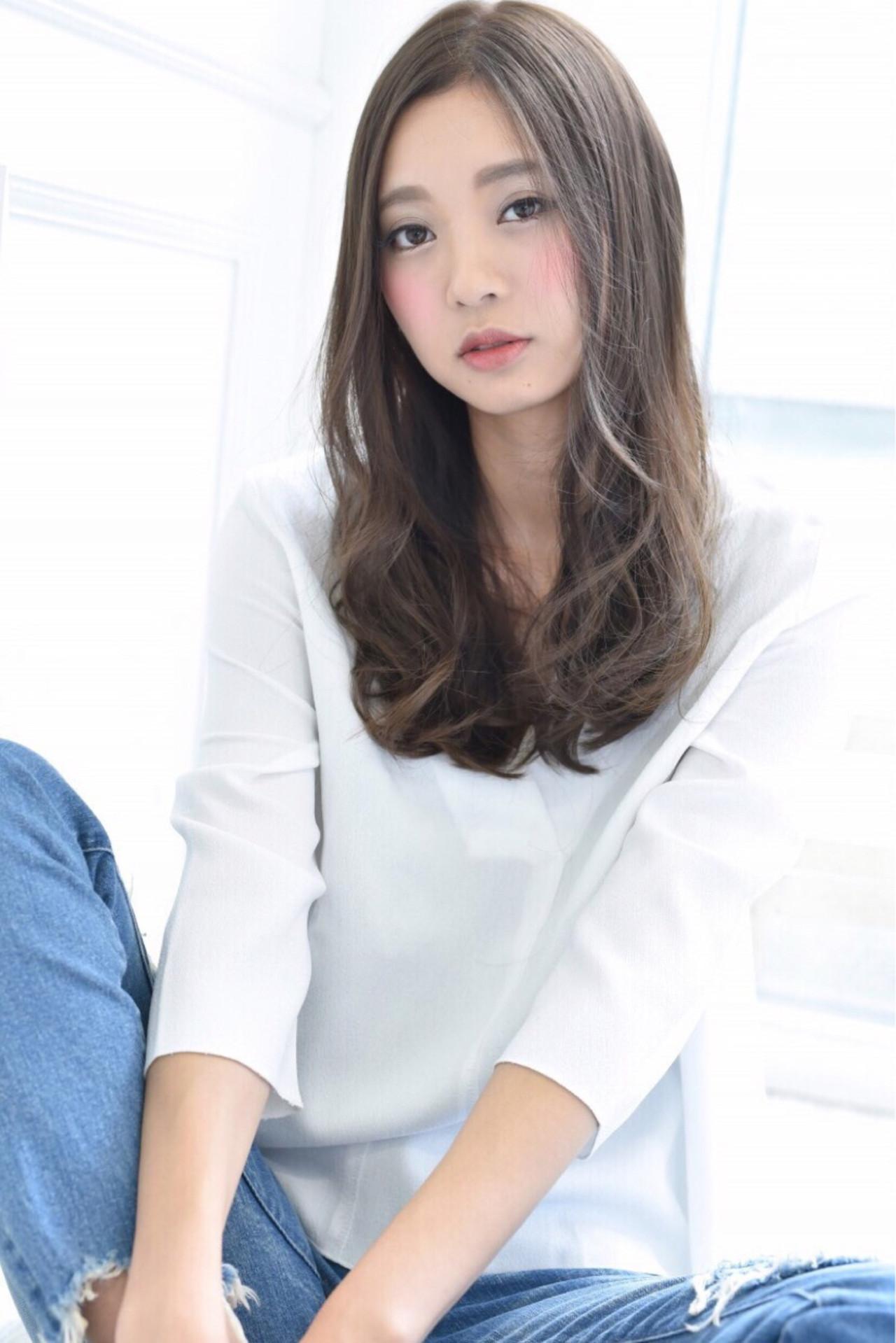 ロング ナチュラル 抜け感 かっこいい ヘアスタイルや髪型の写真・画像 | 藤田真奈 /