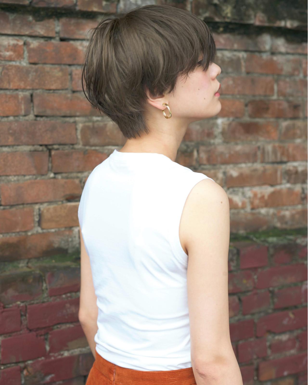 大人かわいい ナチュラル ショート アッシュヘアスタイルや髪型の写真・画像