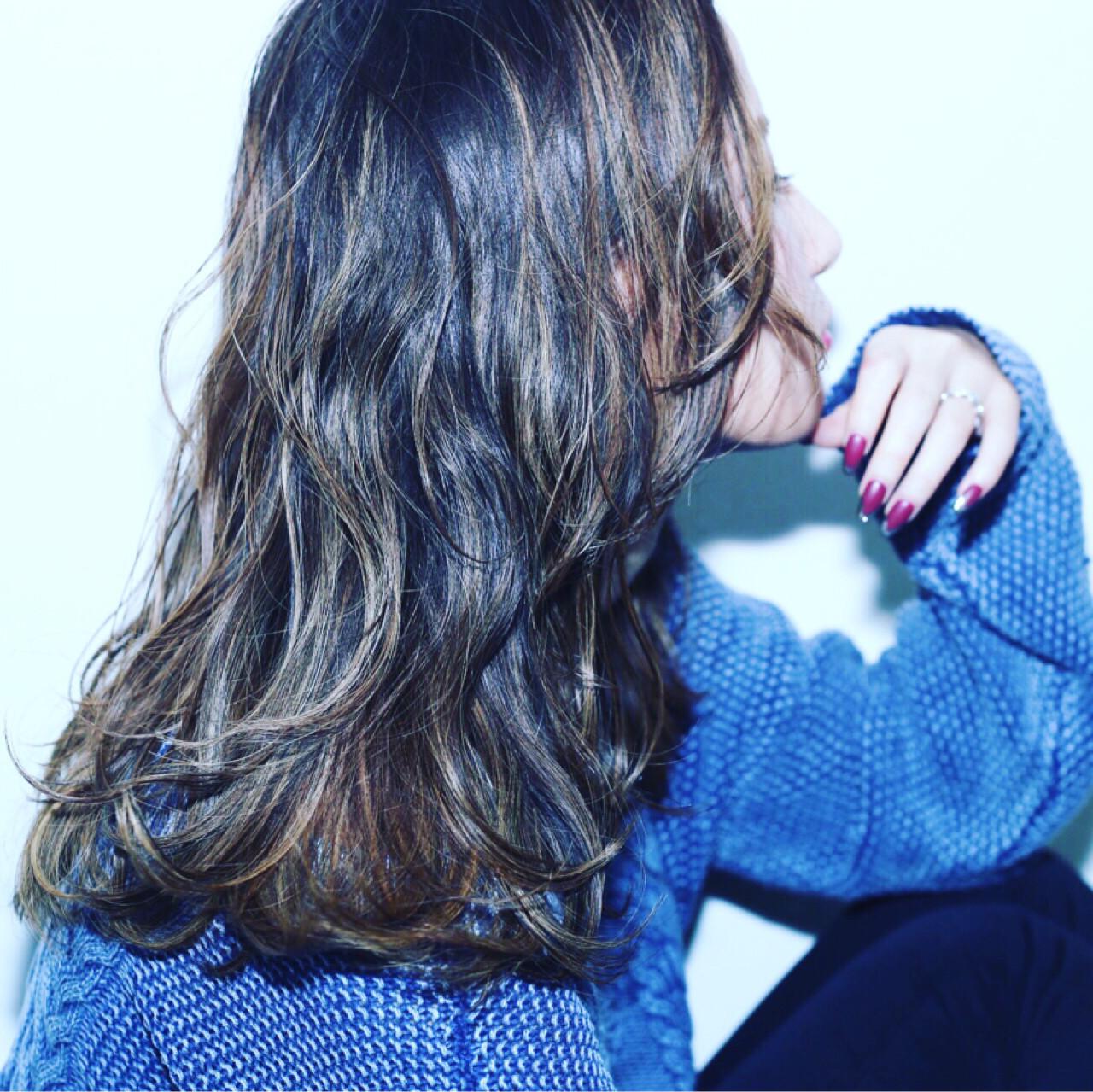 ナチュラル ダブルカラー バレイヤージュ 外国人風 ヘアスタイルや髪型の写真・画像   marina /