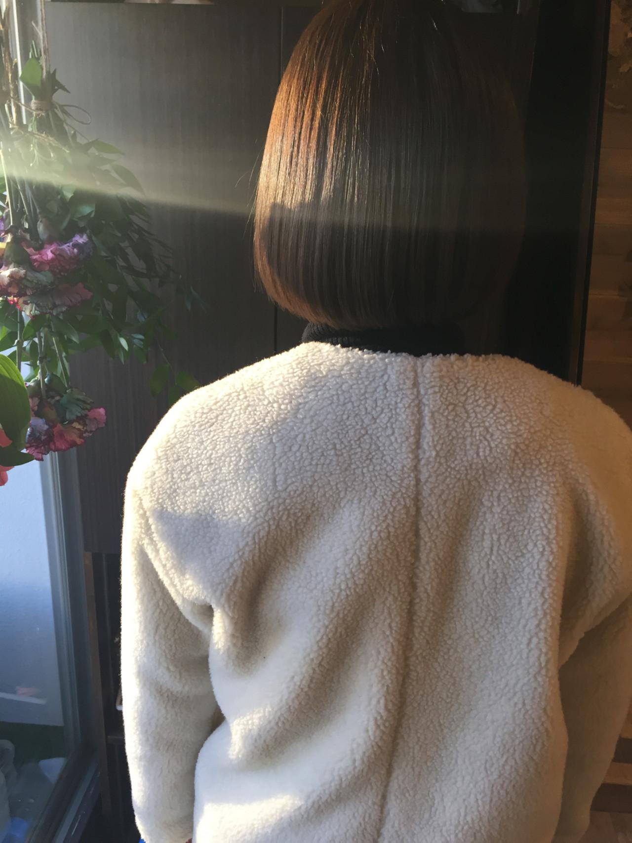 ボブ アッシュグレージュ ベージュ ナチュラルヘアスタイルや髪型の写真・画像