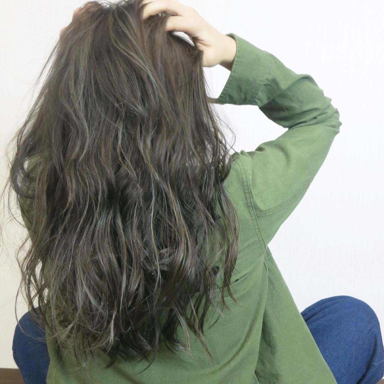 モード ロング ハイライト 外国人風ヘアスタイルや髪型の写真・画像