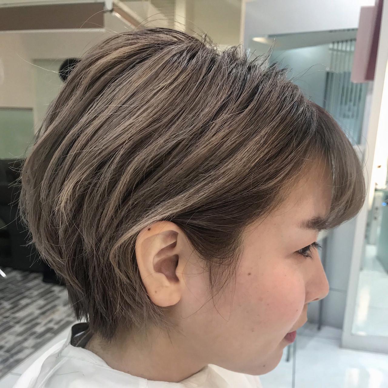 ハイトーン グラデーションカラー バレイヤージュ モードヘアスタイルや髪型の写真・画像