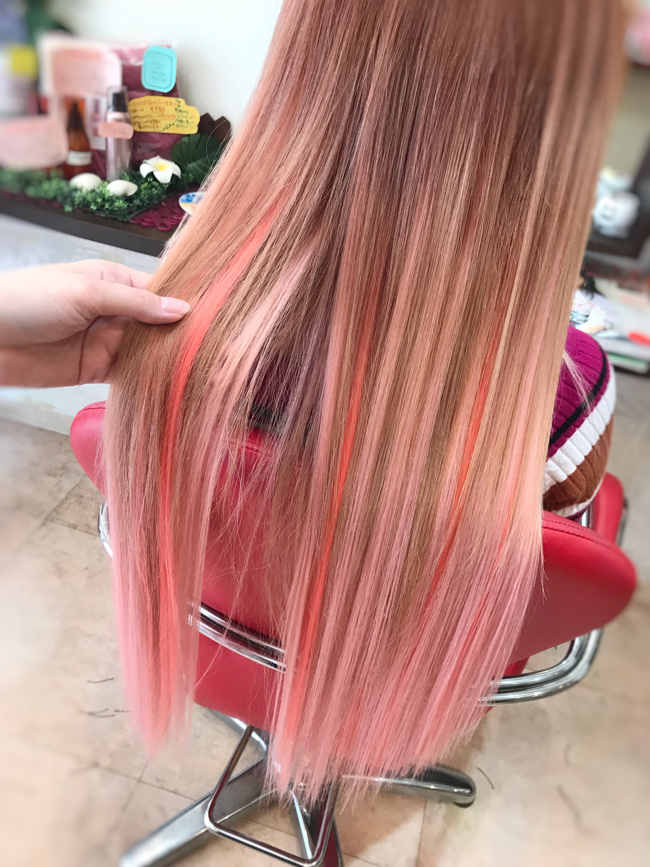 ピンク エクステ ロング グラデーション ヘアスタイルや髪型の写真・画像   リズム / エクステンションリズム北千住店