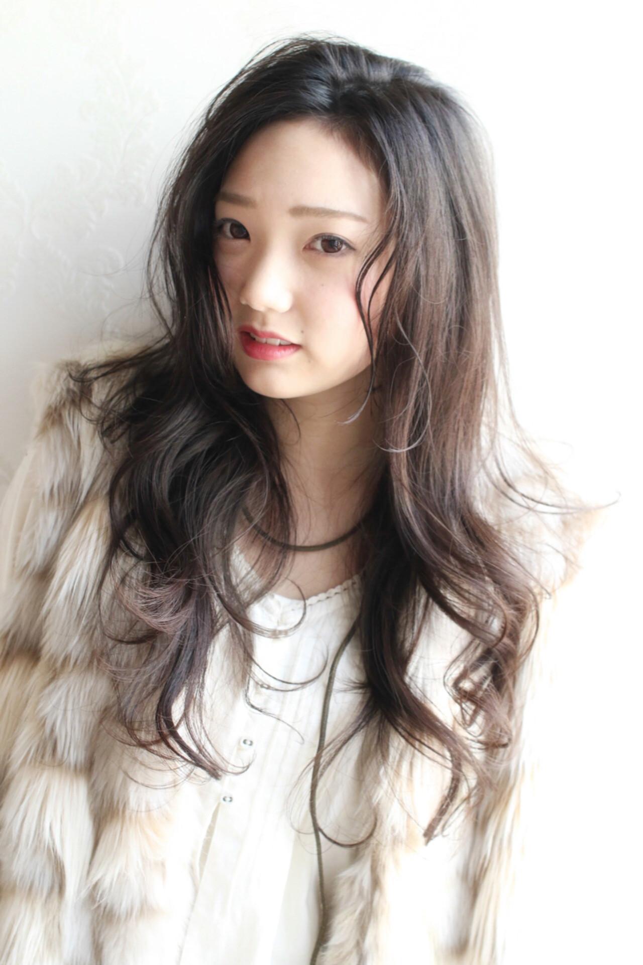 暗髪 こなれ感 大人女子 パーマ ヘアスタイルや髪型の写真・画像 | 太賀雄己 / FROH  (フロウ)
