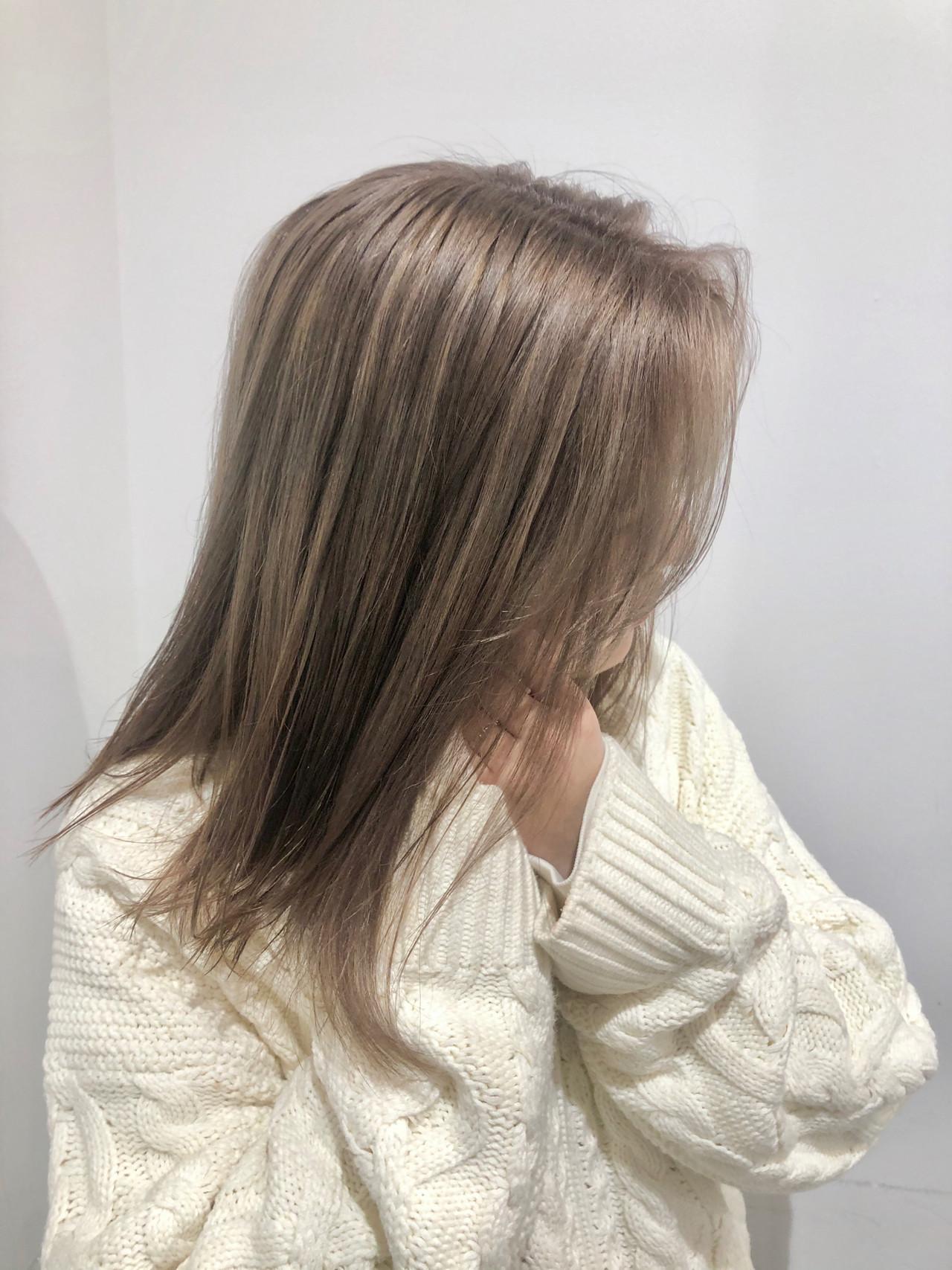 ミルクティー フェミニン ミルクティーベージュ ハイトーン ヘアスタイルや髪型の写真・画像