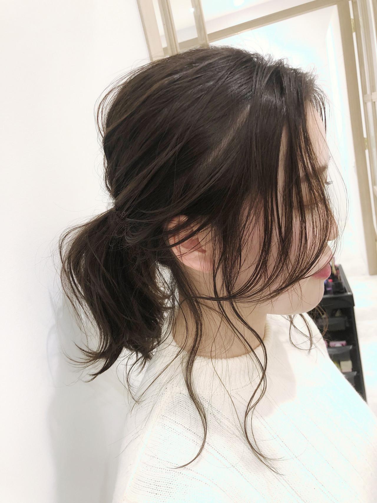 ローポニーテール 簡単ヘアアレンジ ポニーテールアレンジ ナチュラルヘアスタイルや髪型の写真・画像