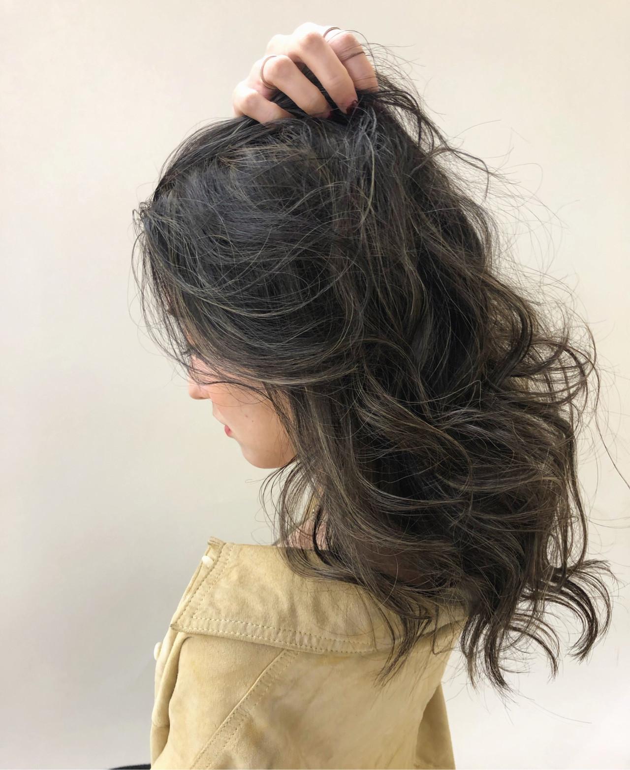 ロング 外国人風カラー ハイライト グレージュ ヘアスタイルや髪型の写真・画像 | 石津 慧/ヘアカラーリスト/ロングヘア / kakimoto arms青山店