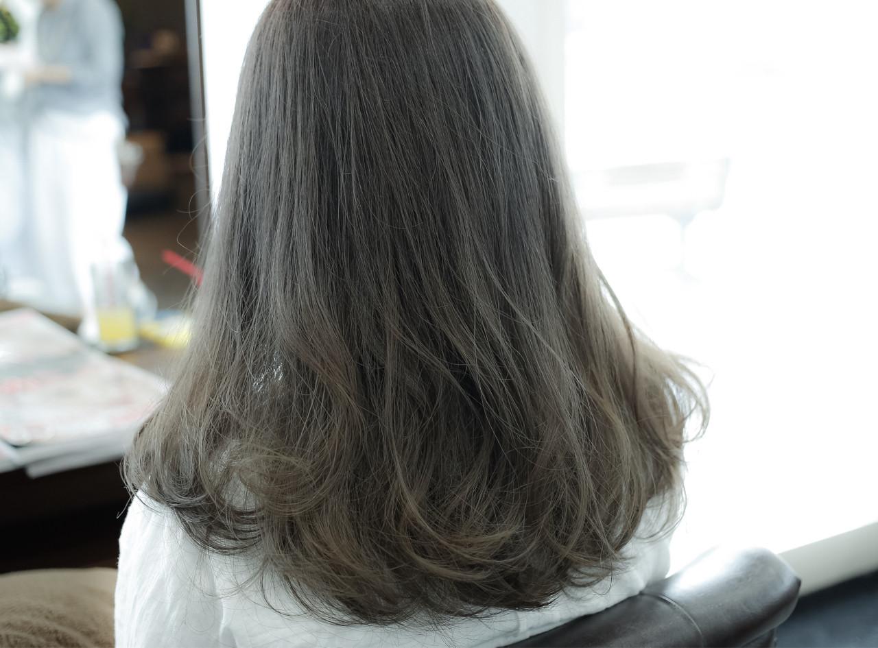 ストリート 外国人風 ミディアム アッシュ ヘアスタイルや髪型の写真・画像 | 小笠原 淳 / hair make No.8(ヘアメイクエイト)