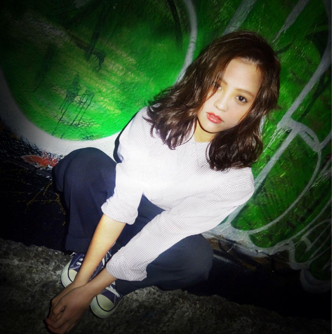ウェットヘア ストリート ミディアム 暗髪 ヘアスタイルや髪型の写真・画像   Ryusei Maeda / free