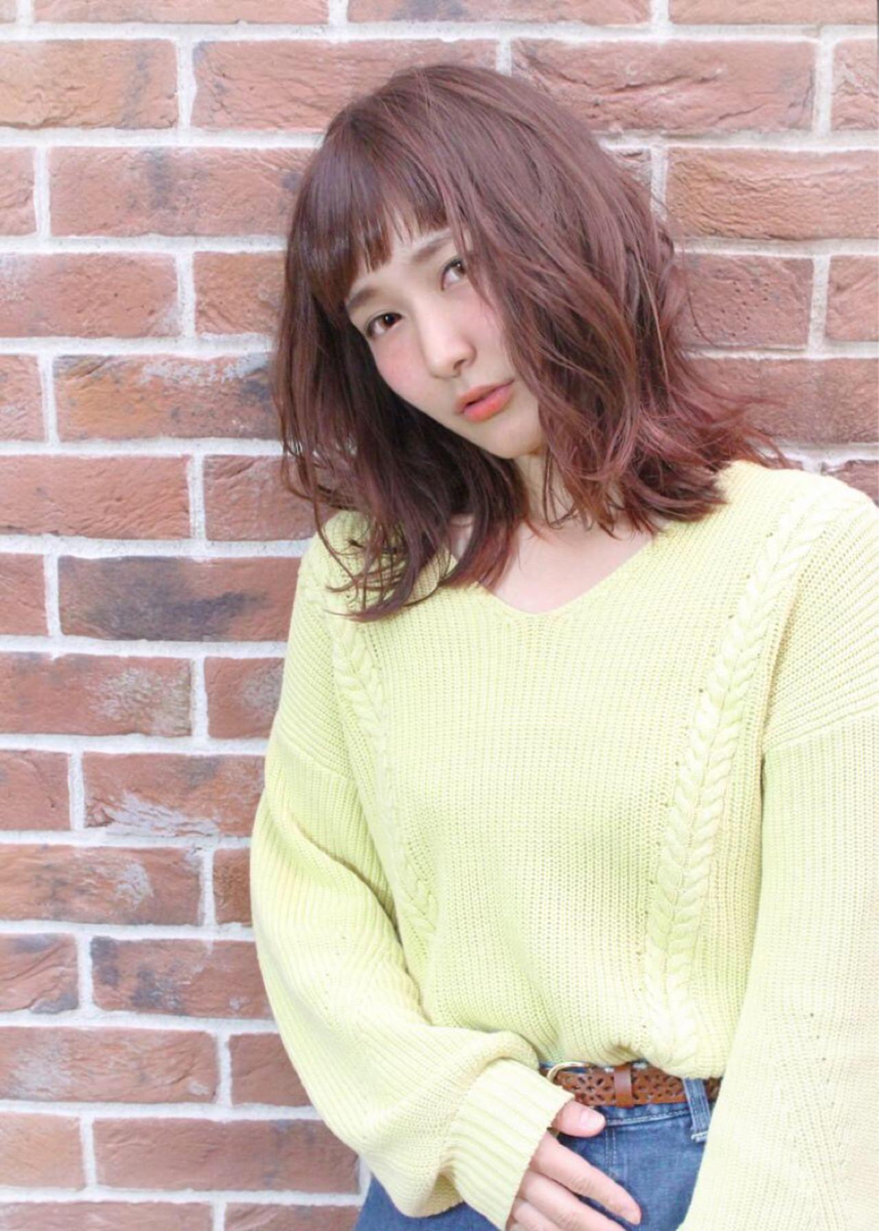 リラックス アンニュイ デート イルミナカラーヘアスタイルや髪型の写真・画像