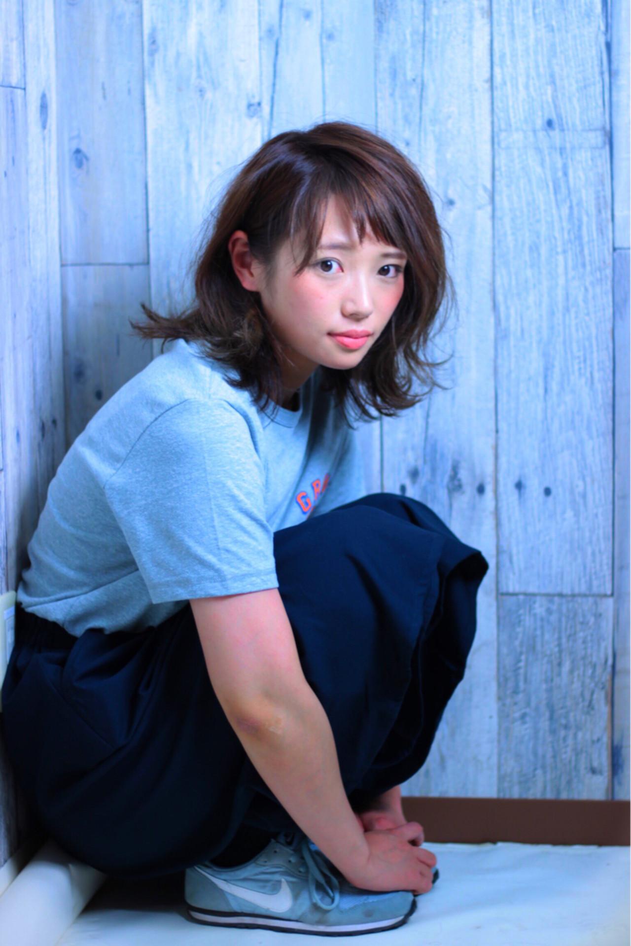 ストリート 涼しげ ミディアム ナチュラル ヘアスタイルや髪型の写真・画像   高橋雅彦 / フリー