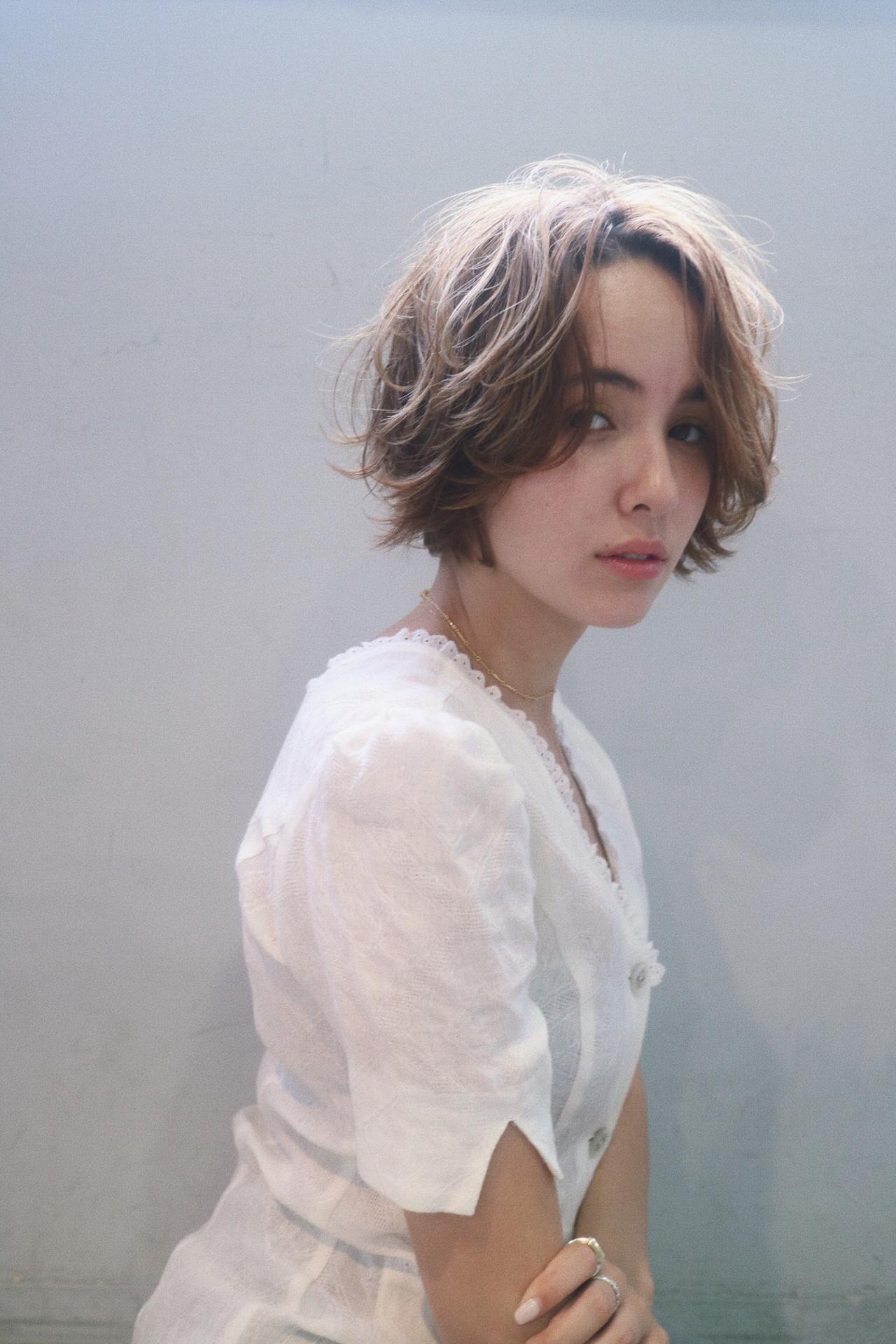 ブルーアッシュ 小顔ショート 暗髪 ブルージュ ヘアスタイルや髪型の写真・画像 | koki / LAND
