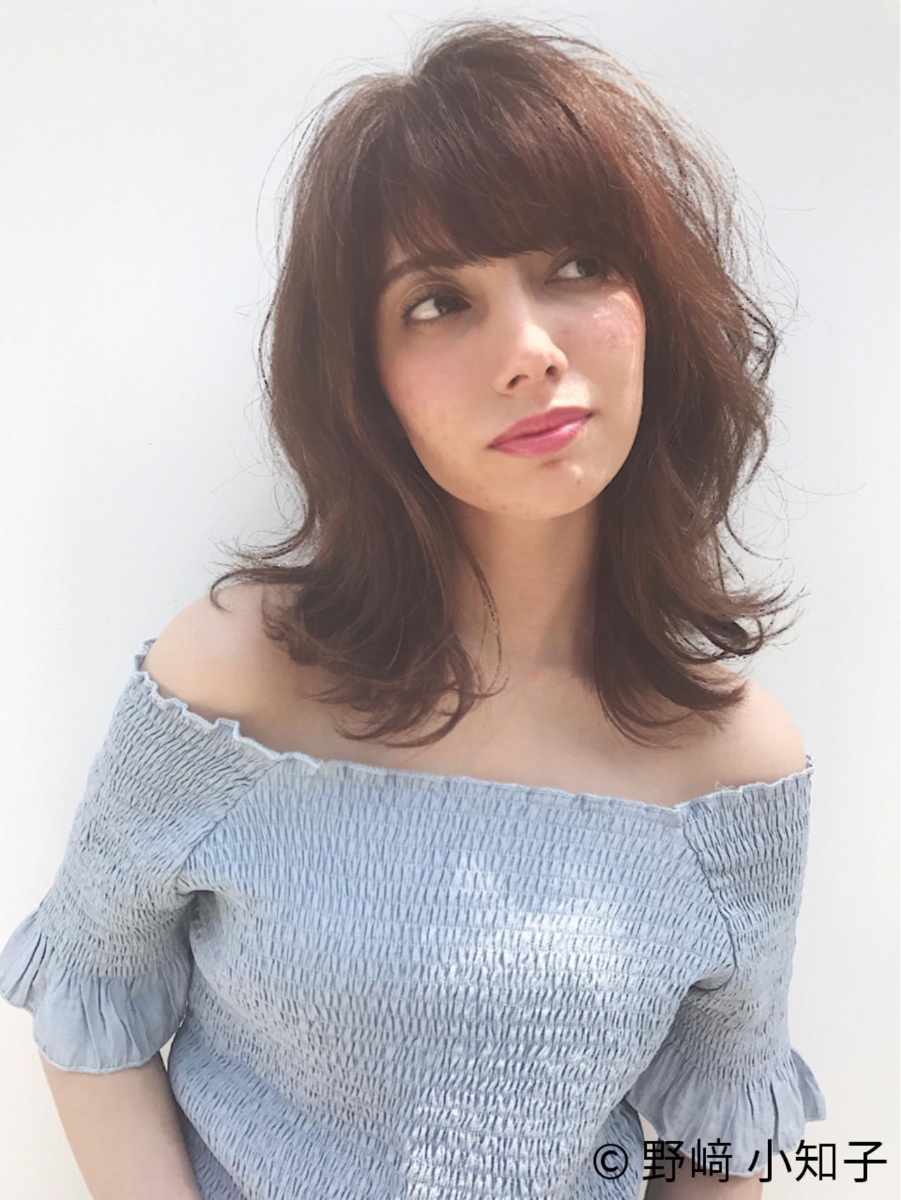ミディアム フリンジバング フェミニン パーマ ヘアスタイルや髪型の写真・画像 | 野﨑 小知子 / CACINA TOKYO