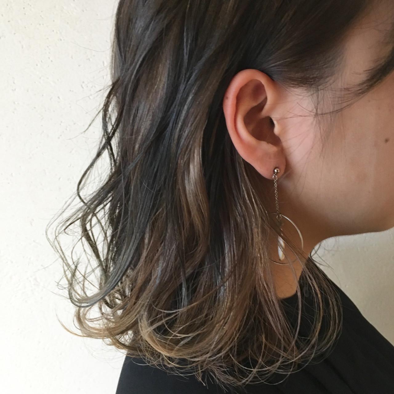 ミディアム ストリート 外国人風カラー インナーカラー ヘアスタイルや髪型の写真・画像 | 岡本 光太 / Acotto Labas