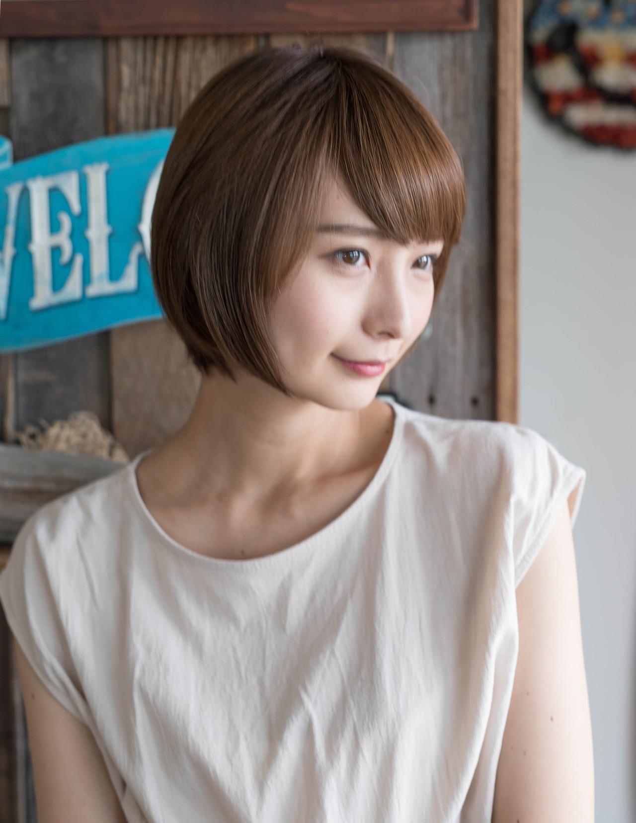 大人可愛い ショート 丸顔 ナチュラル ヘアスタイルや髪型の写真・画像 | Fringe 染谷正 / Fringe Hair Salon