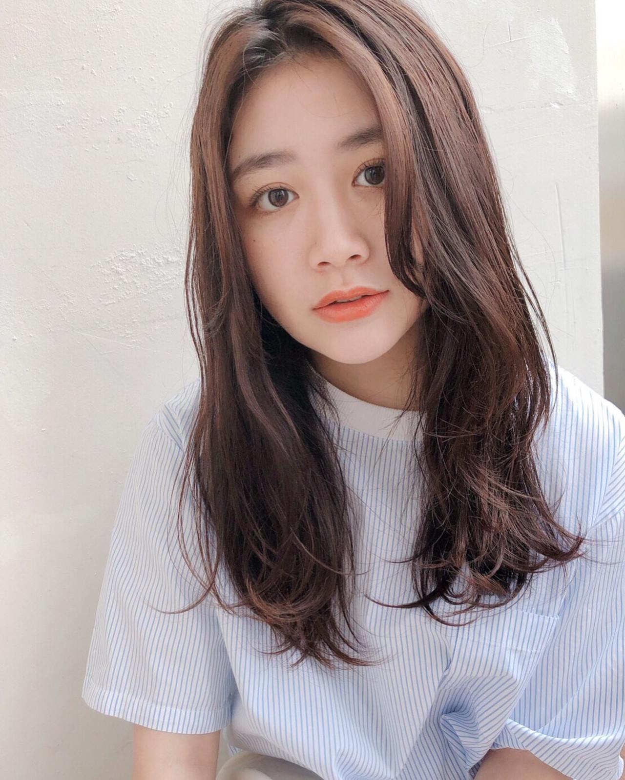 ナチュラル センターパート ロング 波ウェーブ ヘアスタイルや髪型の写真・画像 | natsuki /