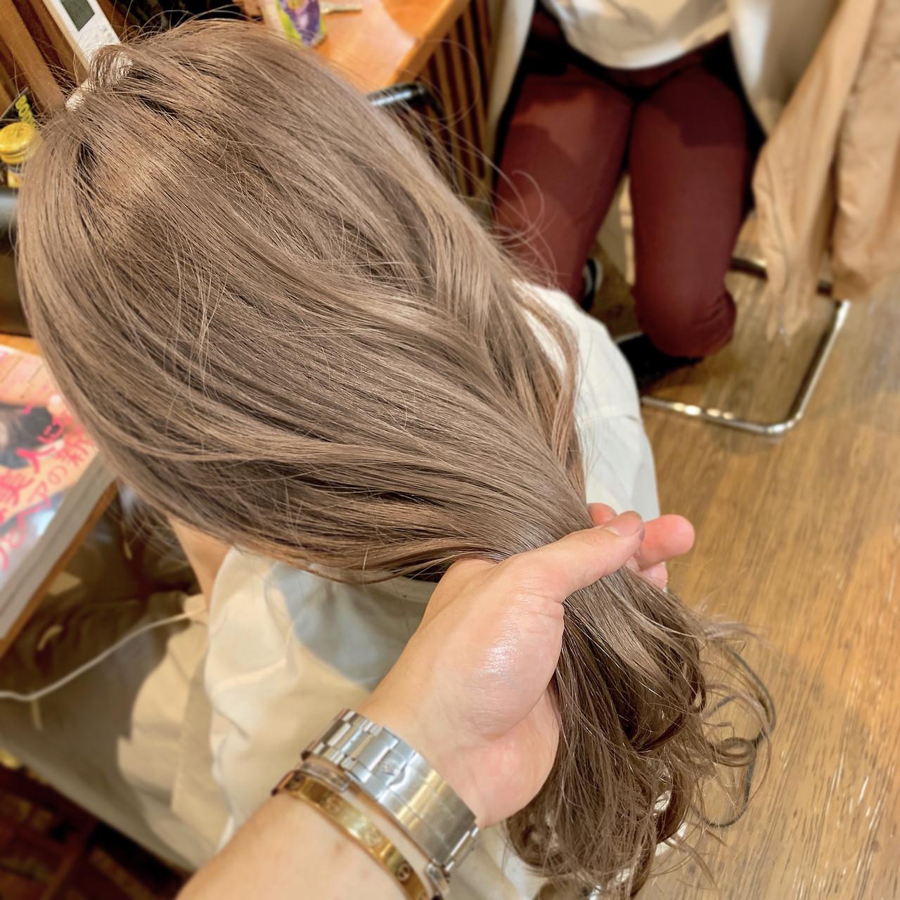 セミロング ヘアアレンジ 結婚式 ミルクティーベージュ ヘアスタイルや髪型の写真・画像 | デザインカラー講師 REOMA / BLITZ R-EVOLUT