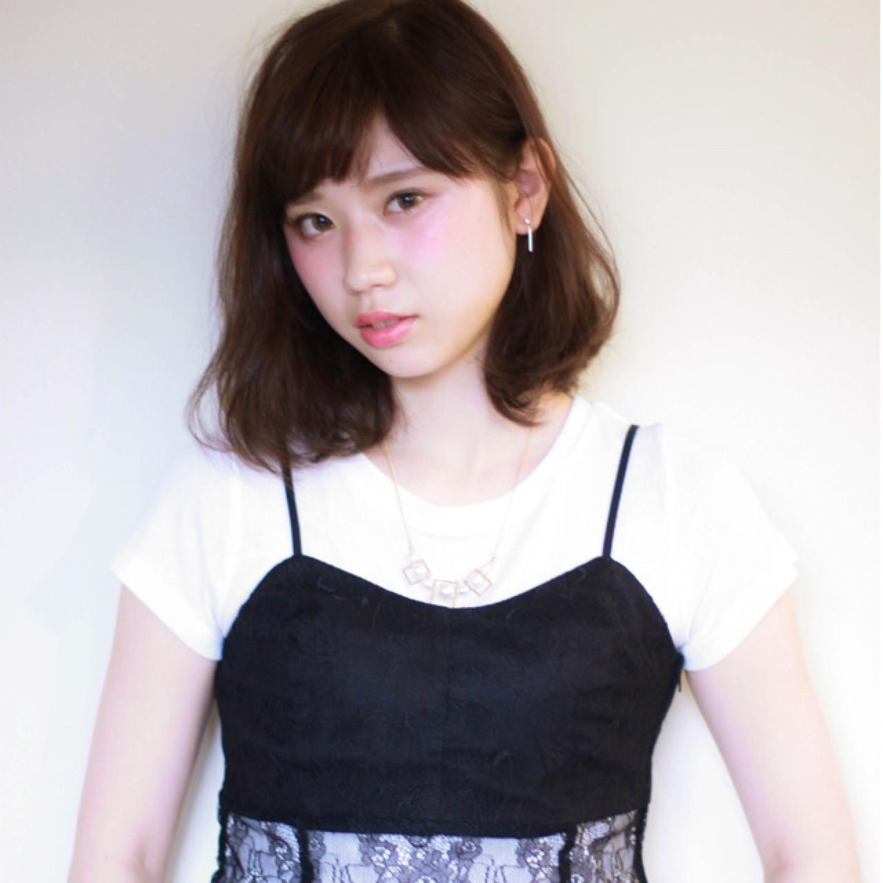 ミルクティー ニュアンス 色気 ナチュラル ヘアスタイルや髪型の写真・画像   上川美幸 / carlm