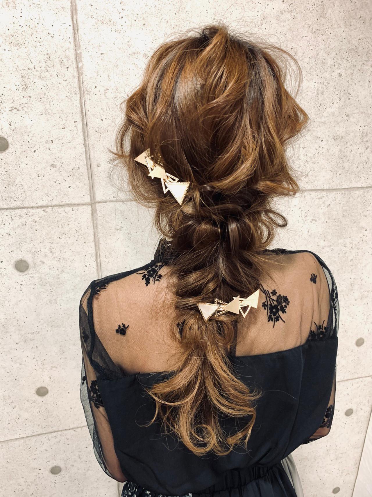 ロング デート セルフヘアアレンジ フェミニンヘアスタイルや髪型の写真・画像