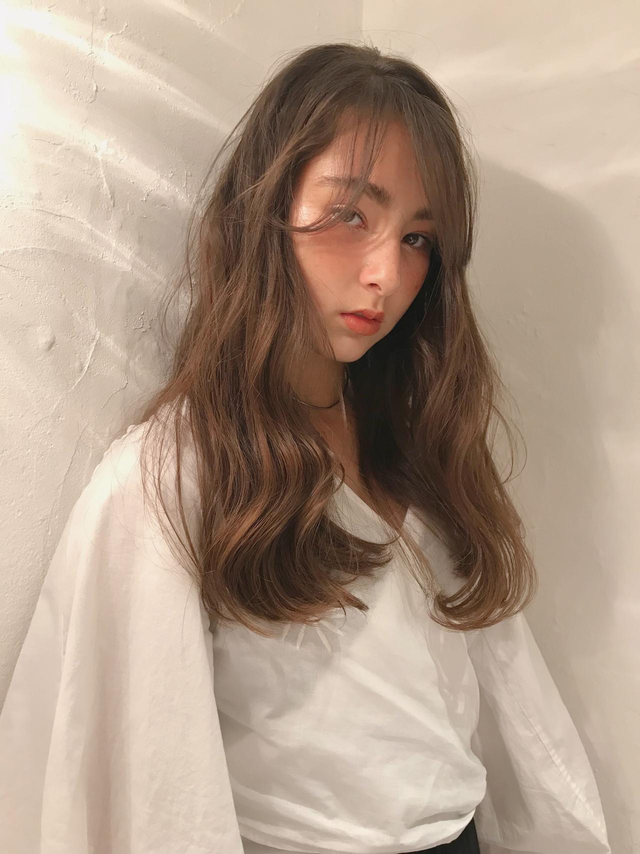 デート ナチュラル 大人ハイライト 簡単ヘアアレンジ ヘアスタイルや髪型の写真・画像   KT / フリー